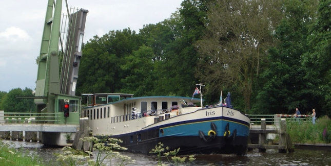 Sailing Along the Scenic Canals is an Easy, Relaxing & Unique Way to Travel for Beer!